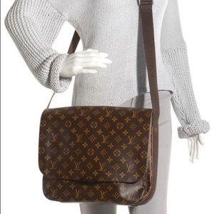 Authentic Louis Vuitton Beaubourg MM Messenger